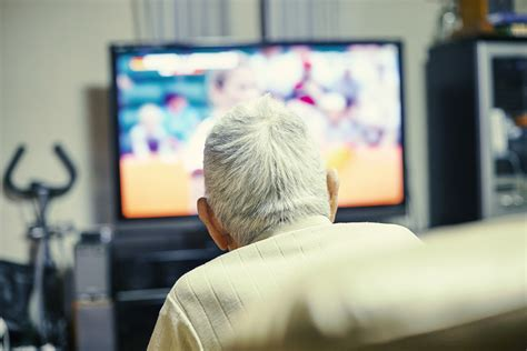 Ageism in Top TV Shows May Affect Seniors' Well-Being